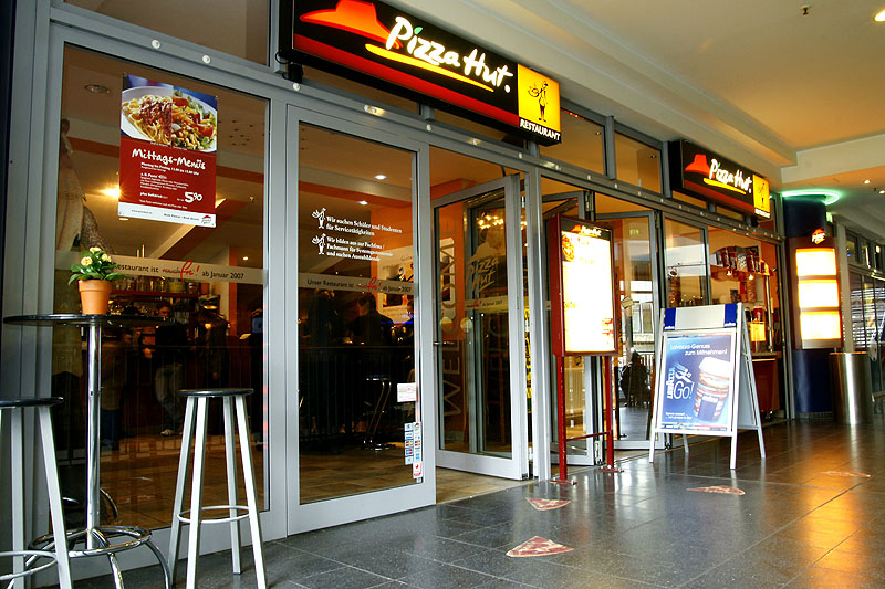 capacity planning in pizza hut • the company continues planning the application of the agreement and  was affected by the costs from the pizza hut deal, stood at €26 million meanwhile,  operating at full capacity in the first half of 2018, sales via the telepizza app climbed 41% and the tool now represents 30% of all digital sales.